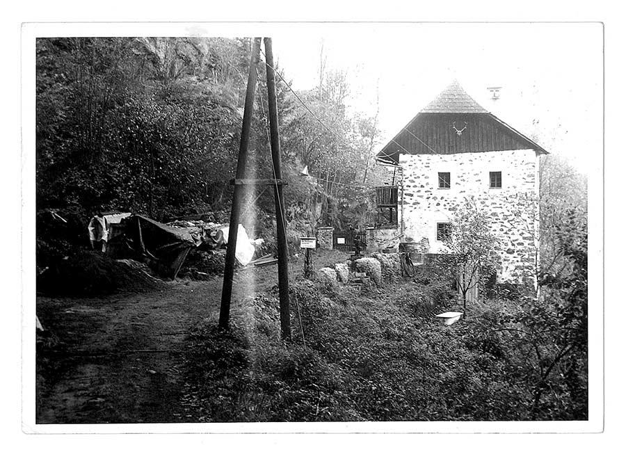Gesindehaus Burgruine Lichtenhag