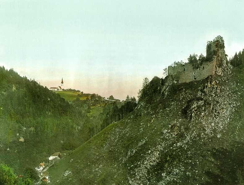 Blick vom Klettergarten Burenkogel in Gramastetten auf die Ruine Lichtenhag - Jahr und Bildquelle leider unbekannt