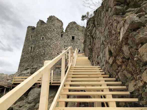 82 Stufen führen zum Wehrturm.